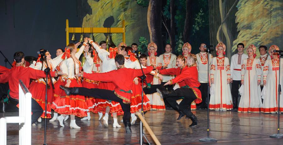 И балета состоялся праздничный концерт ко дню рождения государственного волжского русского народного хора имени